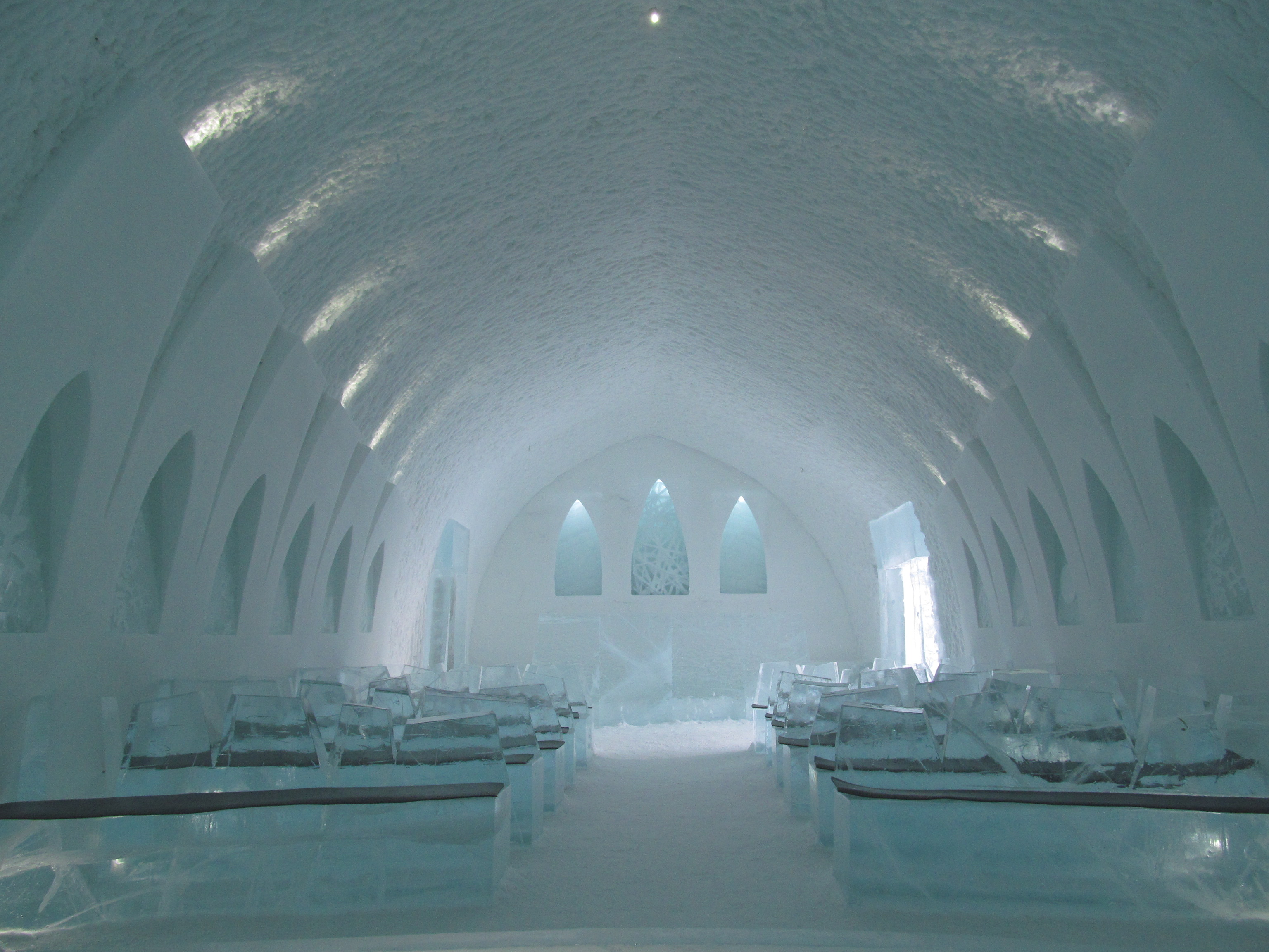 all you need to know about the icehotel in sweden northern light trips visiting abisko and day. Black Bedroom Furniture Sets. Home Design Ideas